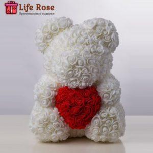 Белый Мишка из роз с сердцем 40 см
